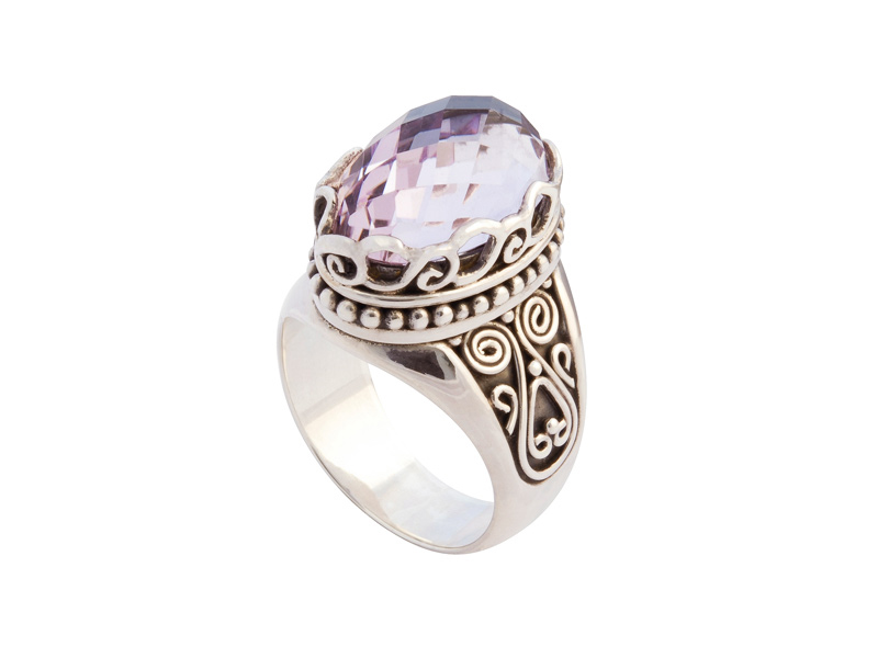 Zilveren ring met topaas