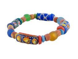 Ghanese armband met bauxiet kralen en glaskralen