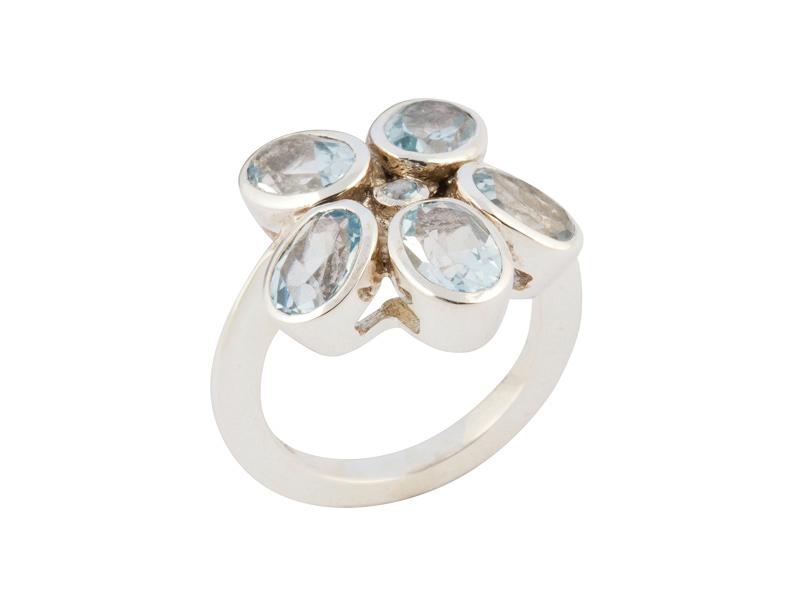 Indiase zilveren ring met blauw topaas