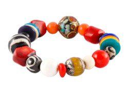 Tibetaanse kralen armband met koraal, jakbot en bijenwas