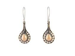 Handgemaakte zilveren oorbellen met 18 karaats goud uit Bali
