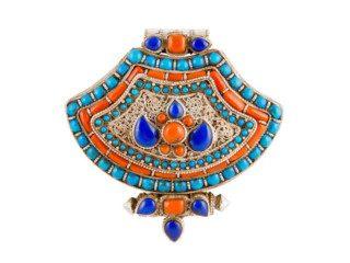 Tibetaans zilveren gebedsdoosje met koraal en turkoois en lapis lazuli