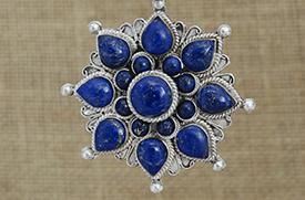Tibetaans zilveren hanger met lapis lazuli