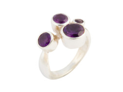 Zilveren ring met de edelsteen amethist