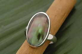 Zilveren ring met mabe parel schelp