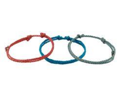 Drie armbanden van enkel gewaxt draad uit Guatemala