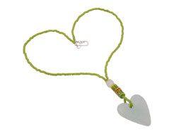 Ghanese glaskralen ketting met hartvormige hanger