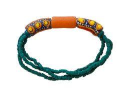 Ghanese kralen armband met drie grote glaskralen