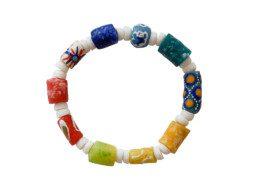 Ghanese regenboog armband met geschilderde kralen