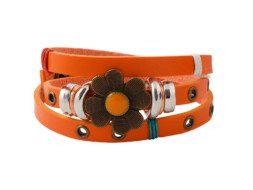 Oranje leren armband uit Tibet met klavertje vier