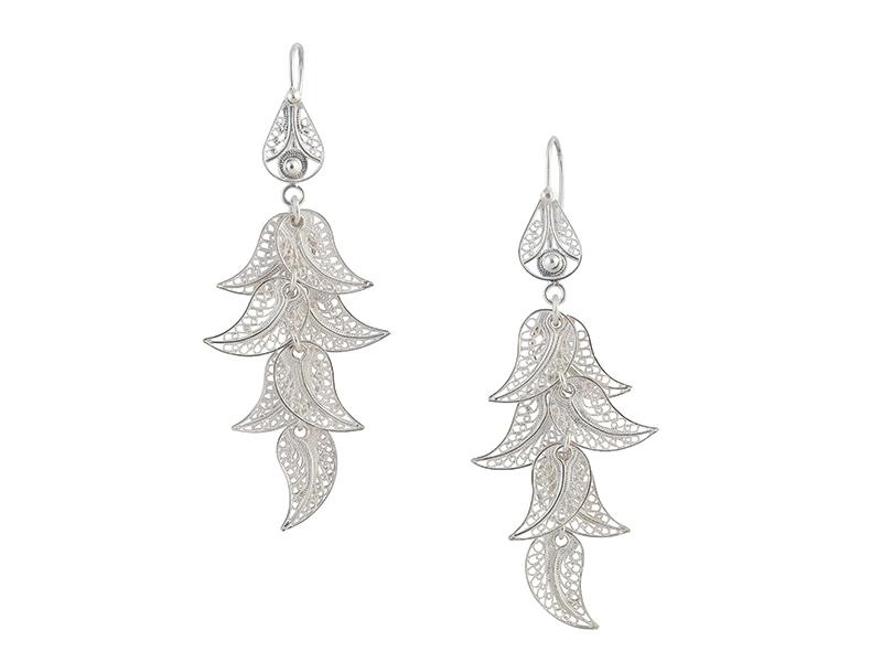 Lange zilveren filigrain oorbellen uit Peru