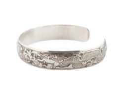 Tibetaans zilveren armband met gegraveerde draken en lotusbloem