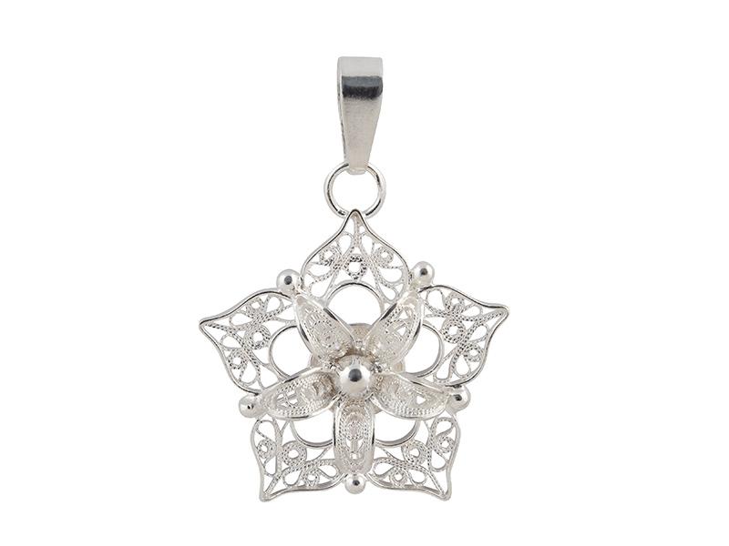 Zilveren filigrain hanger uit Peru in de vorm van een ster