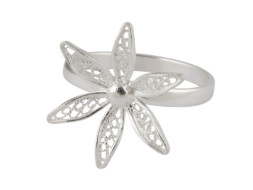 Zilveren filigrain ring uit Peru met fijne bloesem