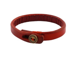 Rode leren armband met koperen knoopje uit Tibet