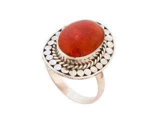 Balinees zilveren ring met koraal