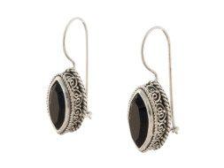 Balinese zilveren oorbellen met onyx