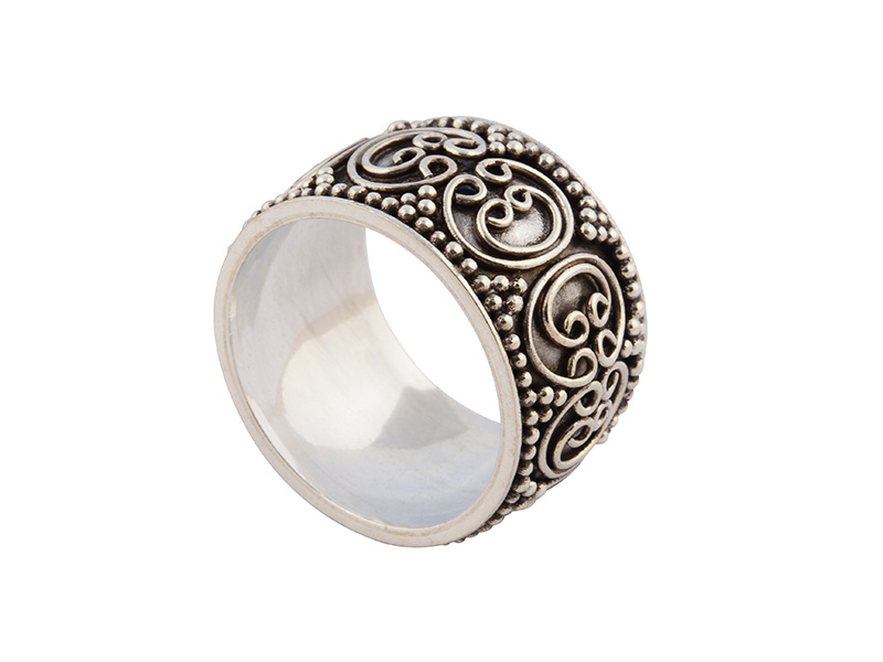Balinese zilveren ring met granulatie en filigrain