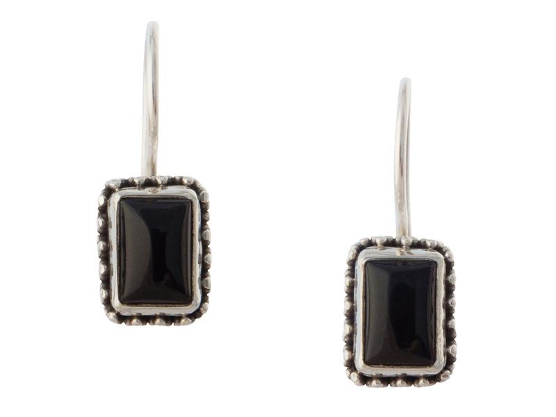 Zilveren oorbellen uit Bali met onyx