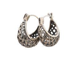 Zilveren oorringen uit Bali met traditioneel basket design