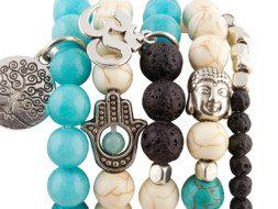 Tibetaanse armbanden van amazoniet en lavasteen met bedeltjes