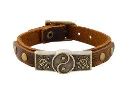 Leren armband met messing gesp klinknagels en yin yang symbool